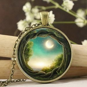 🍁Glass Enchanted Forest Necklace